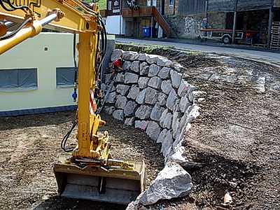 Baggerbetrieb Mutter Natursteinmauern Baggerarbeiten Garten und ...